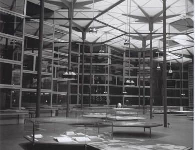 pabellón español en la Exposición Universal de Bruselas 1958